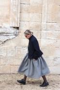 Robe à plis sans manche, lainage gris