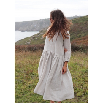 Pleated dress,  long sleeves, natural linen