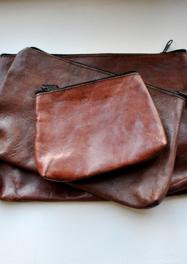 brown leather pocket  with a 2 cm bottom, size 1 – VDC for La Liane